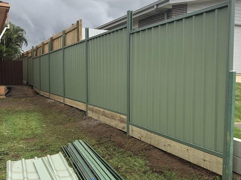 builder colorbond fence north brisbane