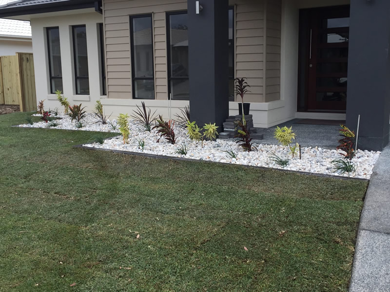 landscaper new turf